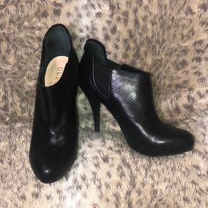 Guess black booties size 6.5